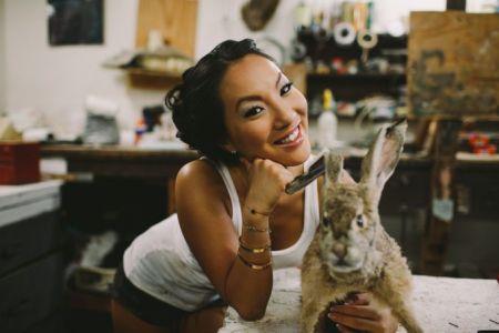 Asa Akira: la meilleure amie des lapins et des actrices pornos.