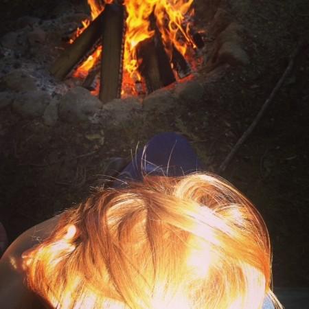 Les cheveux de feu de ma chérie, les cheveux d'automne, les cheveux qui me permettent d'être furie et amour.